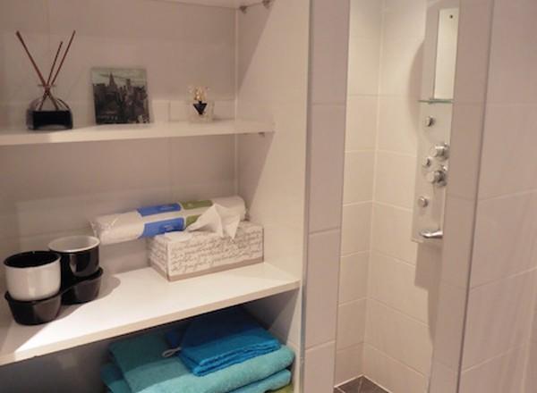 Douche-badkamer1-Casa-Bodega-Denia