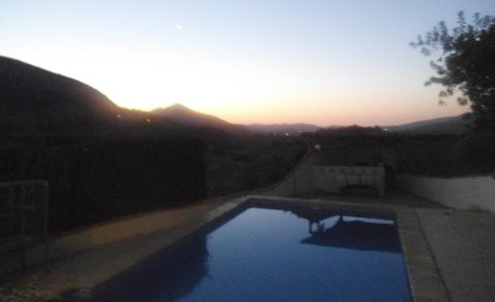 avond-villa-Happy-Parcent-vakantiehuis-in-spanje