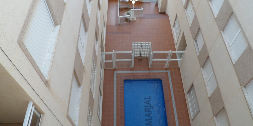 zwembad-Appartement-Rojales-vakantiehuisinspanje